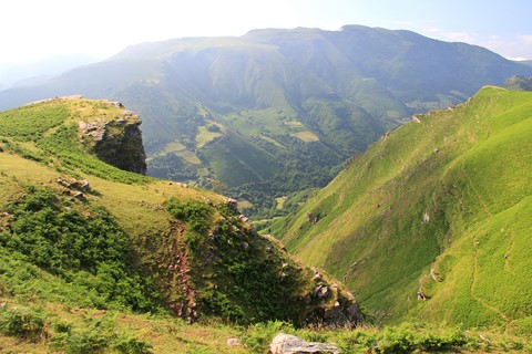 self guided walking france pyrenees crossing